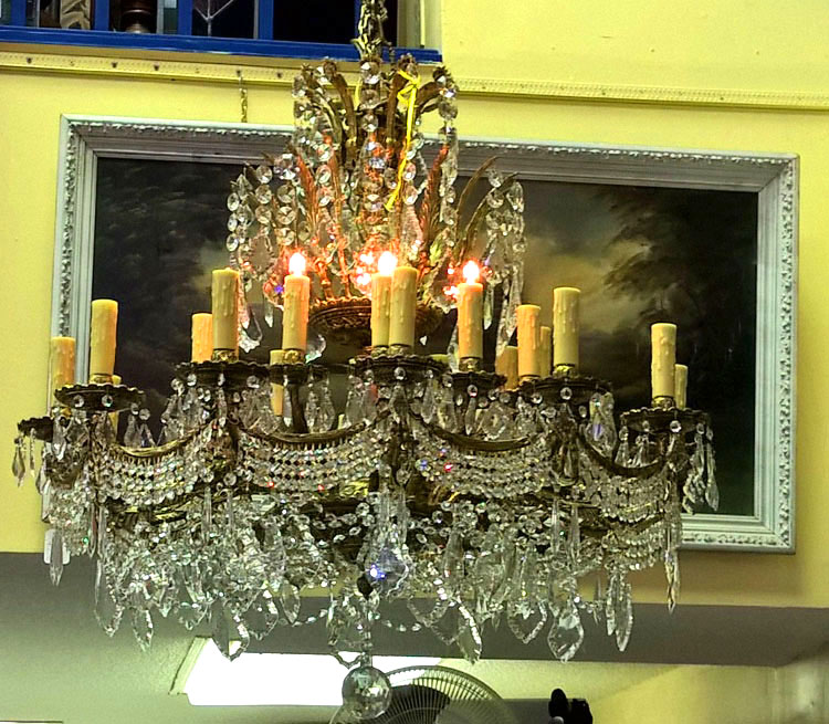 Chandelier  24 lights, 1700 prisms, solid brass with French swags and oversized