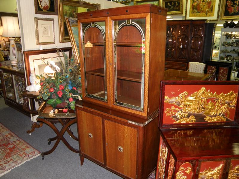 Mirrored arches china cabinet