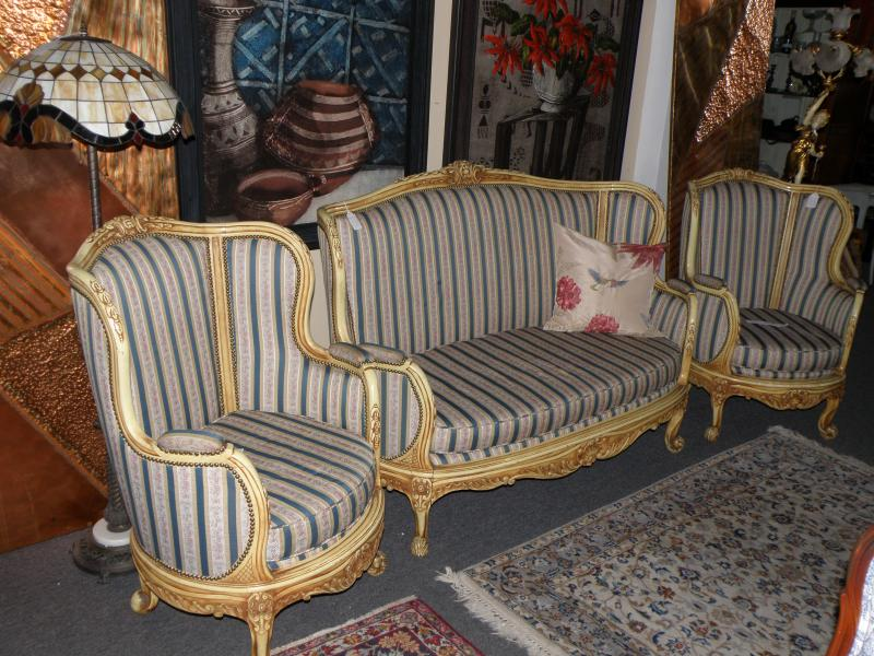 Settee and Side Chairs